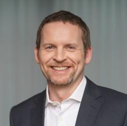 Dr. Christian Tölkes author photo